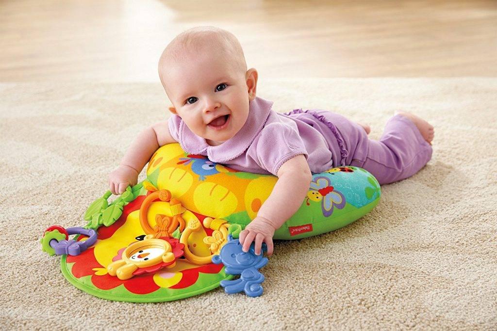 Коврик для малыша развивающий: как выбрать правильно и обзор лучших моделей