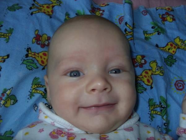 Когда новорожденные дети начинают улыбаться? - для мам
