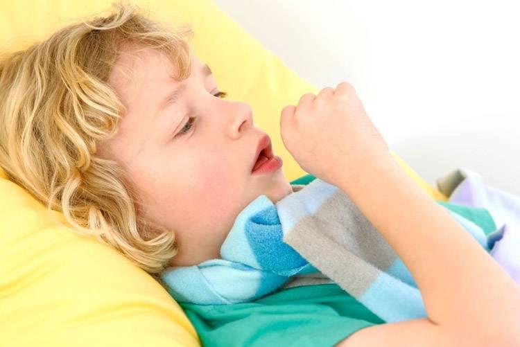 Чем лечить кашель без температуры у новорожденного грудничка и ребенка от 1 года?