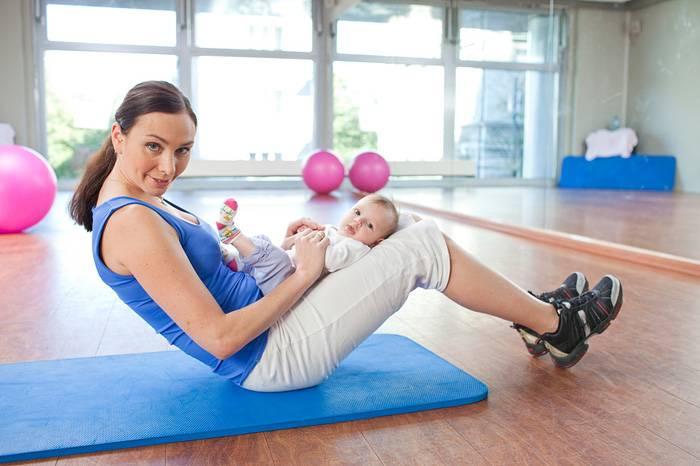 Можно ли заниматься спортом при грудном вскармливании: когда после родов разрешены физические нагрузки