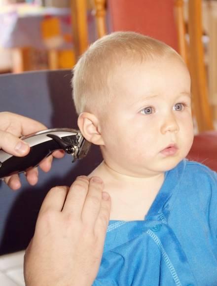 Первая стрижка: нужно и можно ли стричь ребенка до года: приметы и мифы