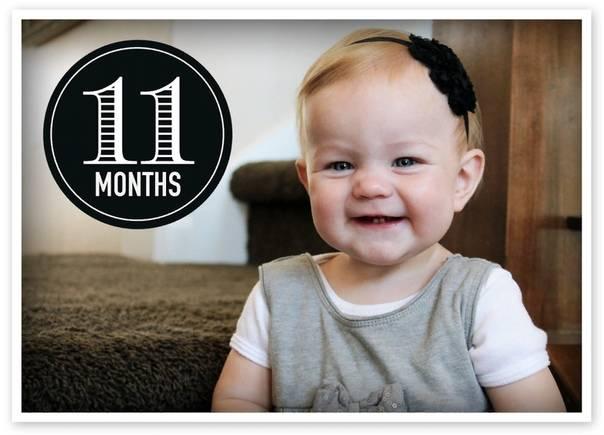 Физическое, психическое, речевое и социальное развитие одиннадцатимесячного малыша: что должен уметь ребенок в 11 месяцев?