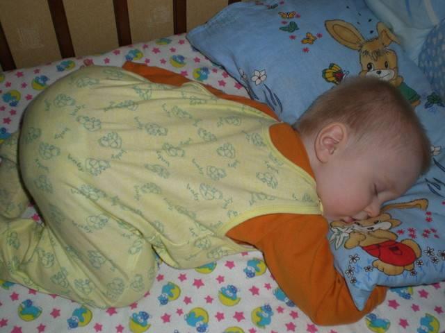 Можно ли новорожденному спать на животе❗️: мнение специалистов☘️ ( ͡ʘ ͜ʖ ͡ʘ)
