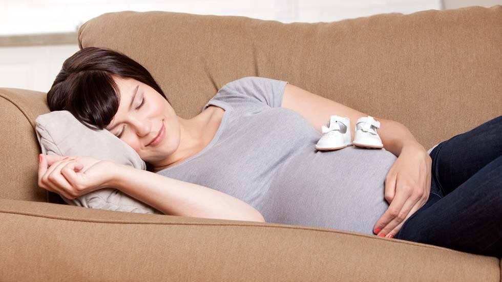 Какие сны снятся к беременности, кроме рыбы: сонник