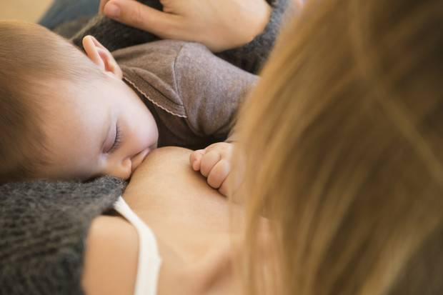 Как укладывать ребенка спать без грудного кормления и укачивания в
