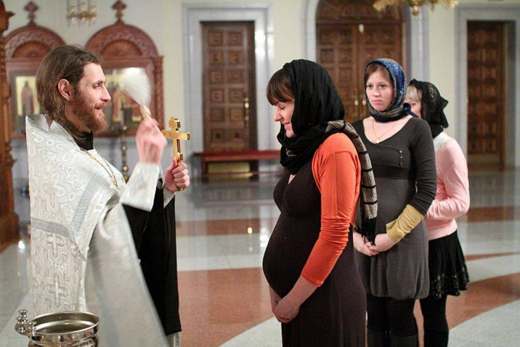 Vichuga-voskr.cerkov.ru  можно ли женщинам во время месячных ходить в храм и причащаться?