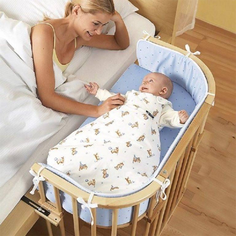 Как разбудить новорожденного для кормления, если он долго спит ночью или днем, и надо ли вообще это делать