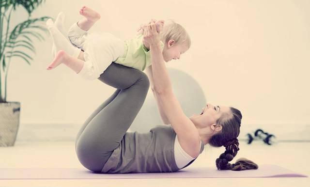 Как вернуться к бегу после родов, и можно ли бегать кормящей маме