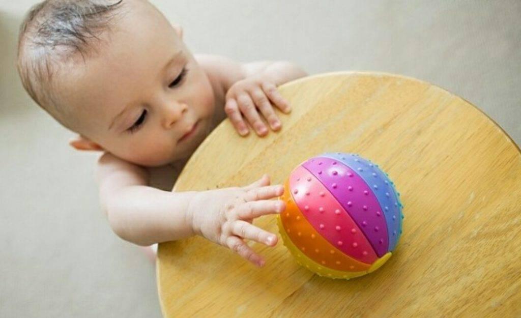 Ребенок в 11 месяцев: развитие, что должен уметь, питание и режим