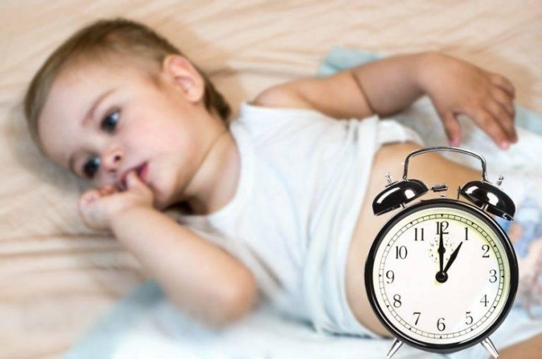 Грудничок стонет во сне, беспокойно спит, кряхтит и ерзает