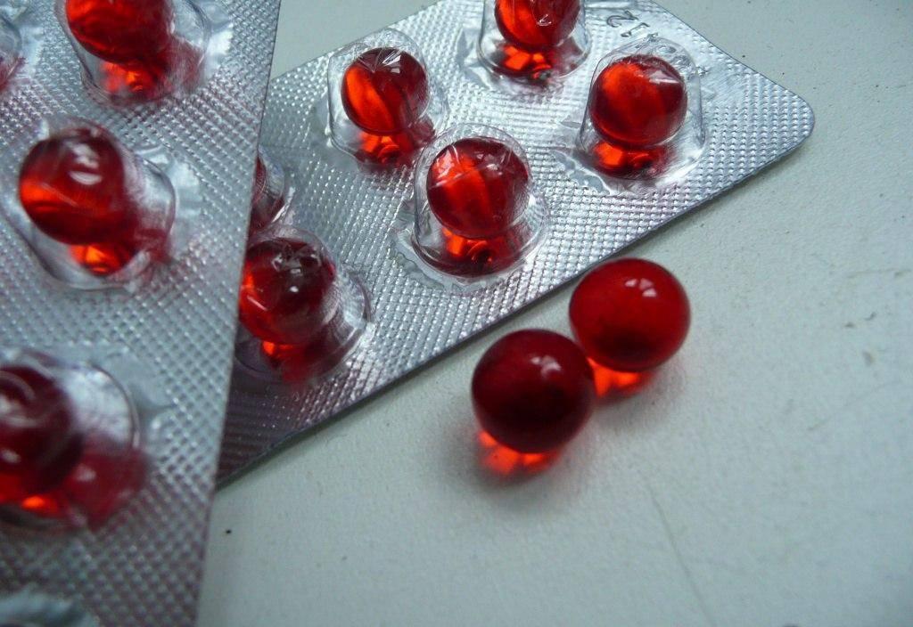 Аскорутин при обильных месячных со сгустками: как принимать, какие побочные эффекты возможны?