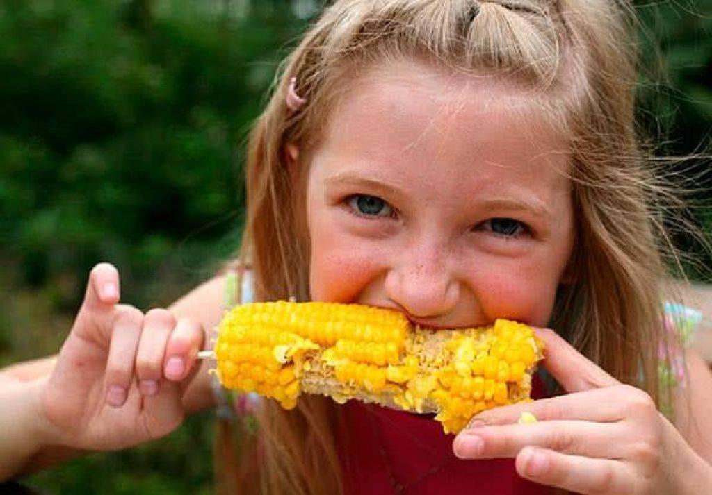 С какого возраста можно детям вареную кукурузу?
