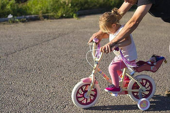 Как научить ребенка кататься на двухколесном велосипеде в 6 лет?