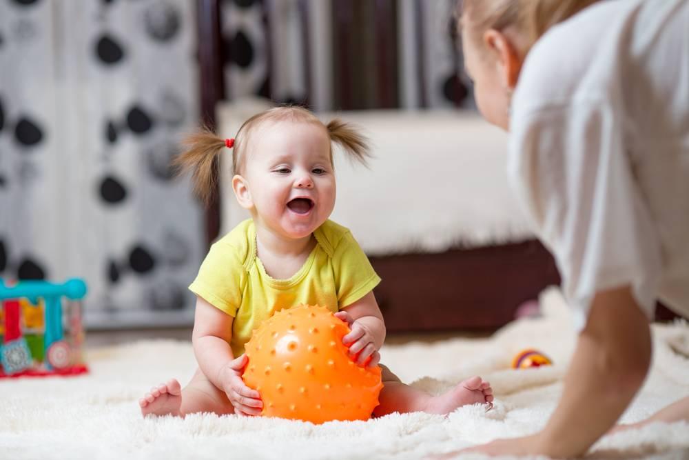 Особенности развития ребенка в 11 месяцев