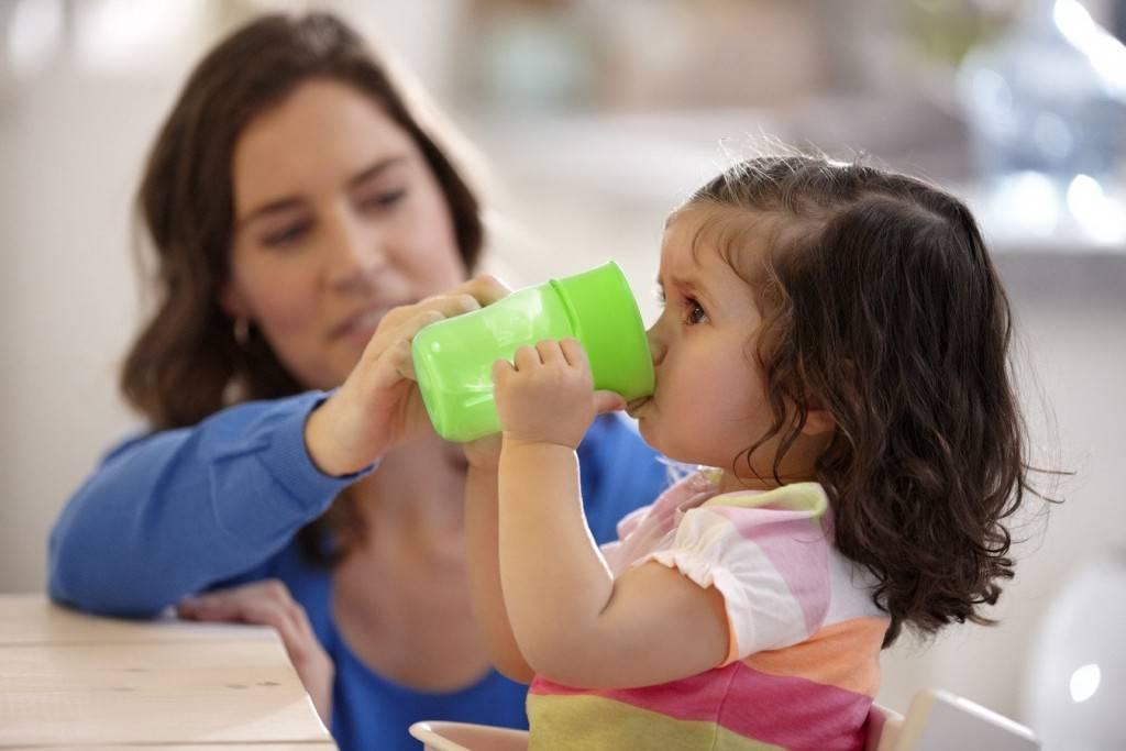 Как приучить ребенка к бутылочке: советы для приучения грудного ребенка