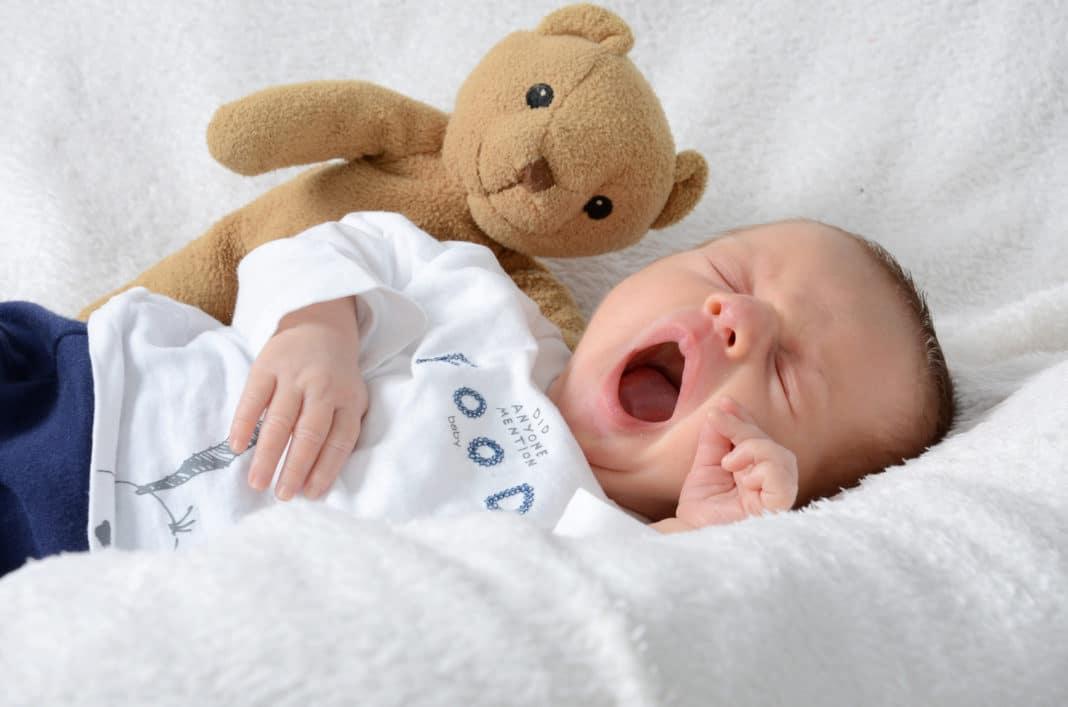 Ребёнок спит по 30 минут, что делать: эффективные мероприятия по нормализации сна и распорядка дня ребёнка